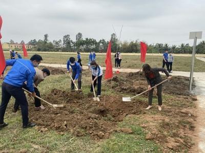 """Huyện đoàn Vĩnh Bảo tổ chức """"Tết trồng cây - Đời đời nhớ ơn Bác Hồ"""" Xuân Tân Sửu năm 2021"""