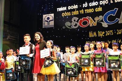 Công diễn và trao giải Hội thi Sơn ca thành phố năm học 2013- 2014