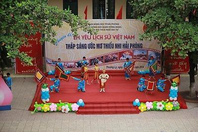 """Liên đội THCS Ngô Gia Tự: Sôi nổi chuyên đề """"Em yêu lịch sử Việt Nam""""."""