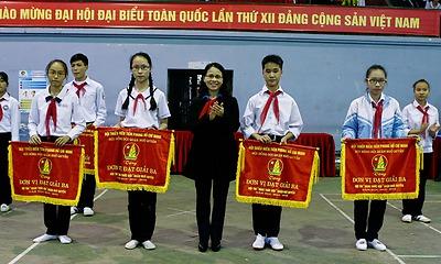 Hội thi Nghi thức Đội cấp quận Ngô Quyền năm học 2015 - 2016.