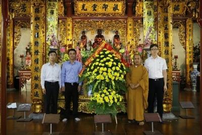 Thành đoàn, Hội LHTN Việt Nam thành phố thăm, chúc mừng nhân dịp Đại lễ Phật Đản năm 2017