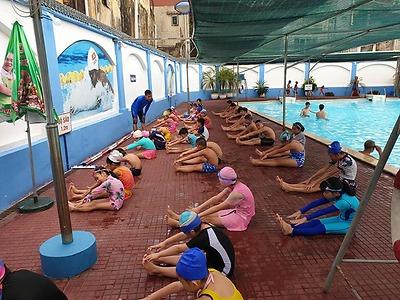 Hoạt động dạy bơi cho thiếu nhi trên địa bàn dân cư hè 2021