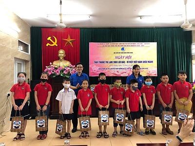 CLB Thầy thuốc trẻ Quận Hồng Bàng tổ chức khám chữa bệnh cấp phát thuốc miễn phí, kết nạp Hội viên