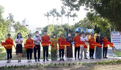 Khánh thành sân chơi dành cho trẻ em tặng Làng nuôi dạy trẻ mồ côi Hoa Phượng
