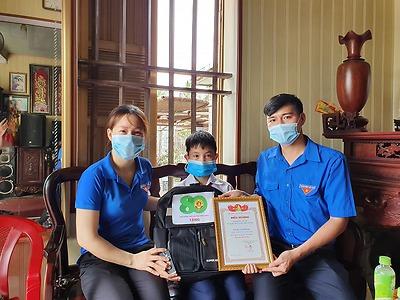 Bùi Tuấn Khang - Học sinh lớp 5B - Trường Tiểu học Giang Biên - Gương tốt, việc tốt trong học tập và làm theo lời Bác