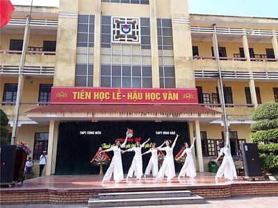 Đoàn trường THPT Vĩnh Bảo và Đoàn trường THPT Cộng Hiền tổ chức: Diễn đàn  tình yêu, tình bạn và gia đình