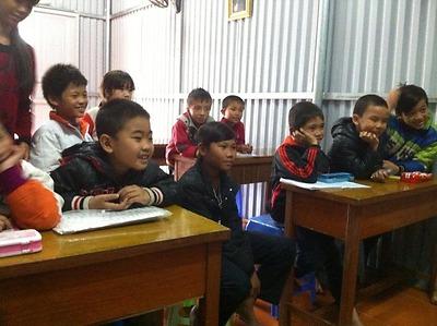 Câu lạc bộ Help to Fly: Mang Tiếng Anh đến với trẻ em nghèo
